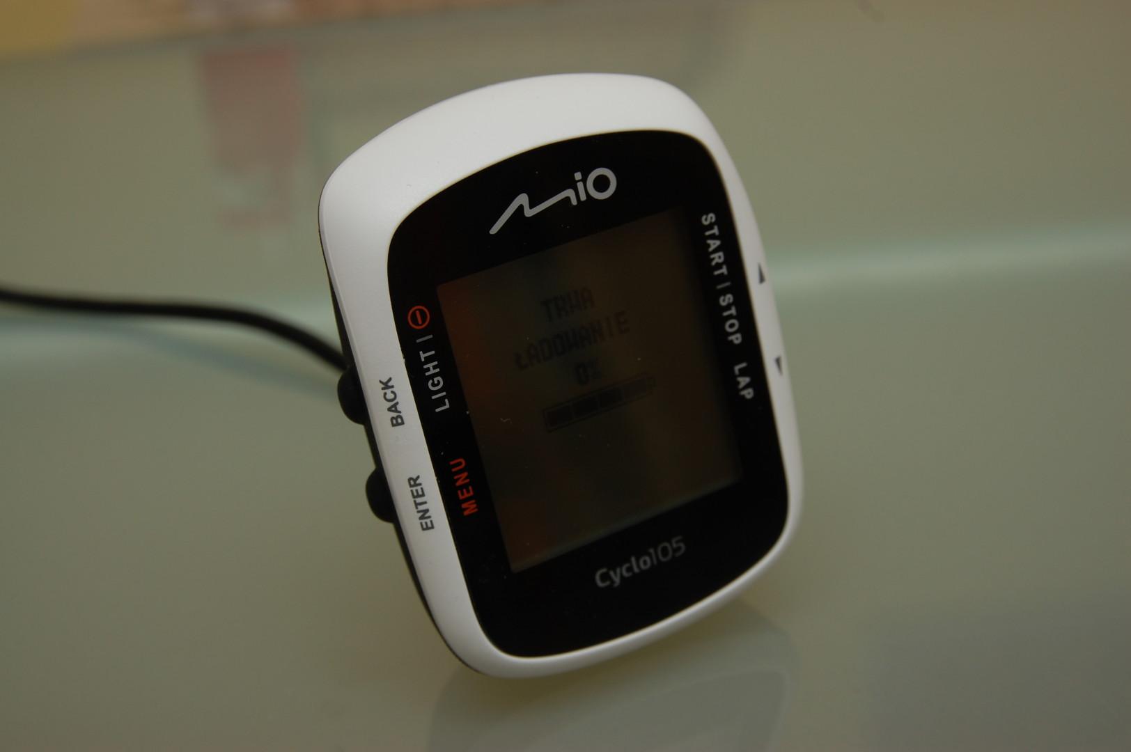 Mio Cyclo 105 ładowanie