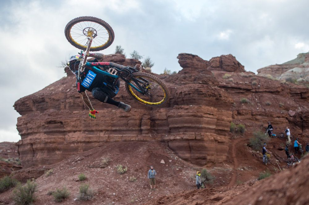 mountain-biker-andreu-lacondeguy-floats-a-flattie-with-only-half-his-body-connected-to-the-bike