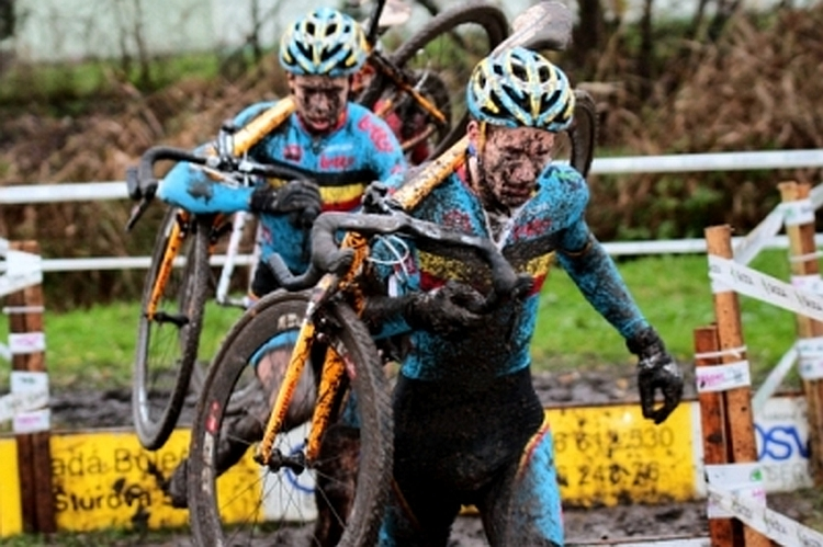 european_cyclocross_championships_men_u23_and_women_elite_8_20131103_1608939617