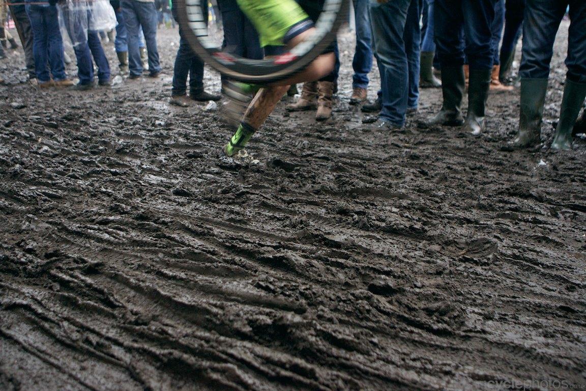 2013-cyclocross-bpostbanktrofee-loenhout-77-more-mud