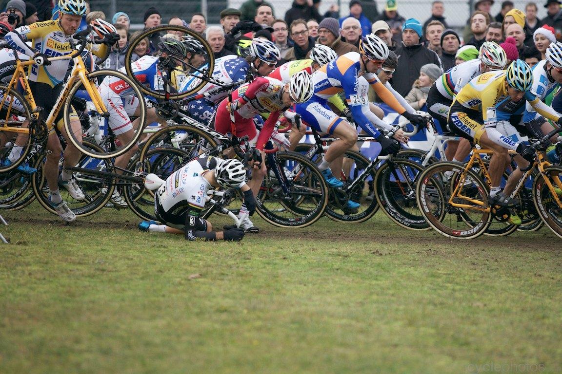 2013-cyclocross-worldcup-zolder-180-niels-albert-crash