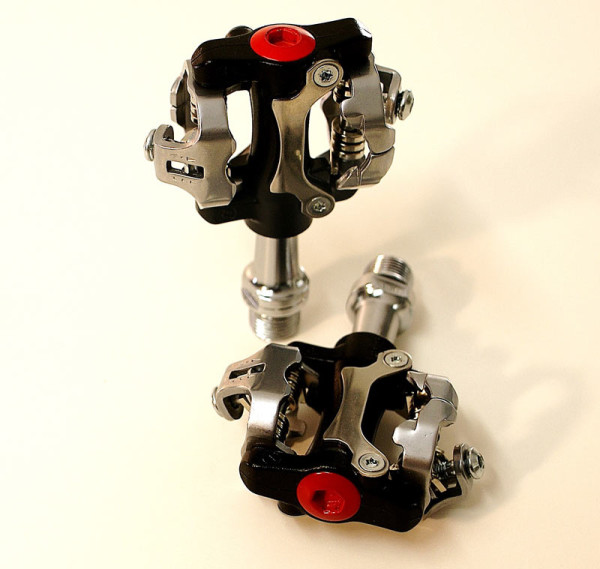 2014-Sampson-rock-mountain-bike-pedals-600×569