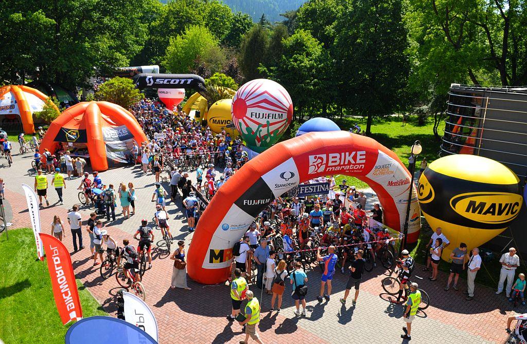 [PR] Dwa tysiące trzystu kolarzy – rowerowy weekend w Miękini!
