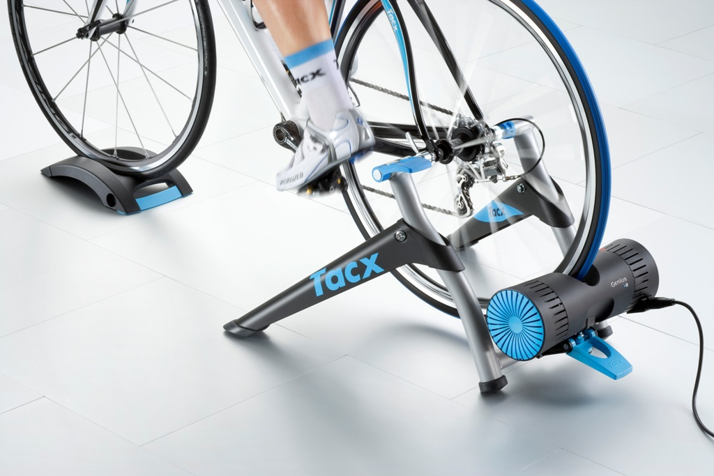 t2080_tacx_genius_smart_trainer_back_1507-1
