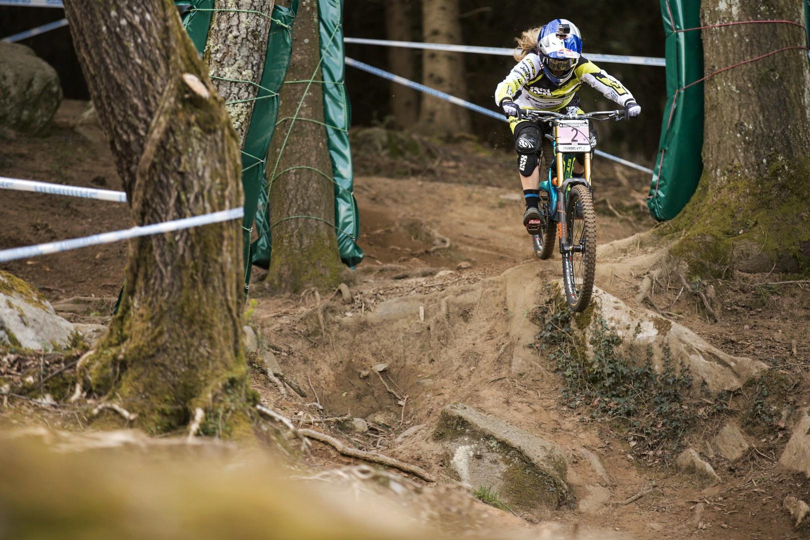 Rachel Atherton MTB UCI Lourdes 2015, fot. Lukas Pilz Red Bull Content Pool