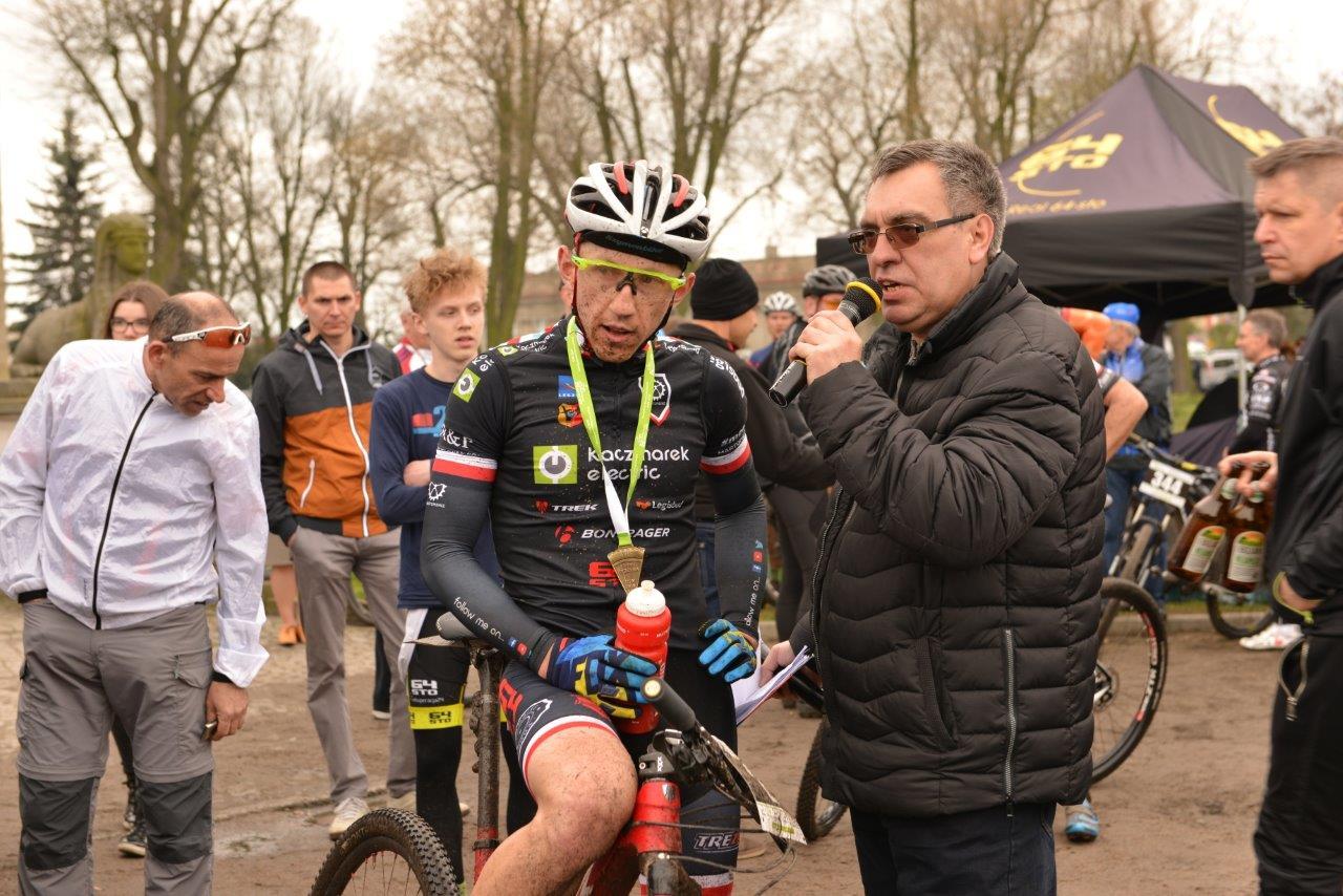 Marek Konwa twarzą wyścigu i triumfatorem w Rydzynie [PR]