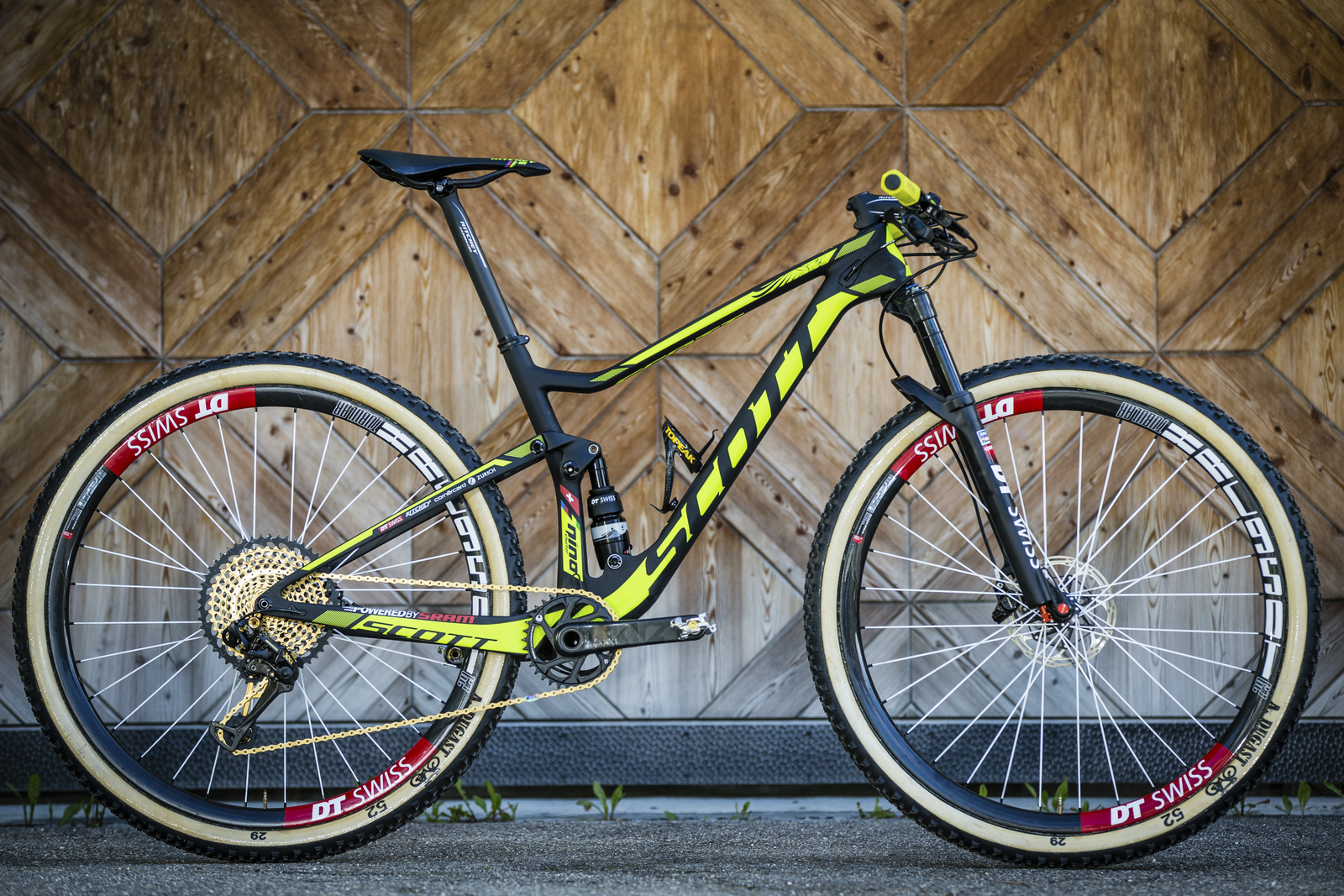 Spark RC 900 WC Nino Schurter_PL_Detail Image_2017_BIKE_SCOTT Sports_01