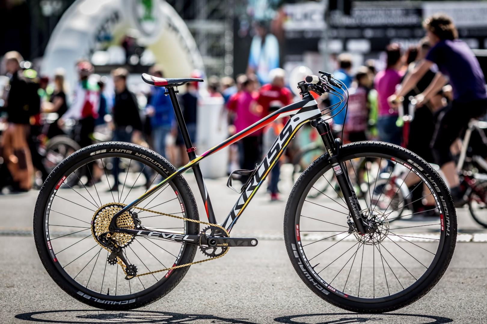 Arkadiusz Trzciński (KROSS): stworzenie roweru godnego Pucharu Świata to długi proces