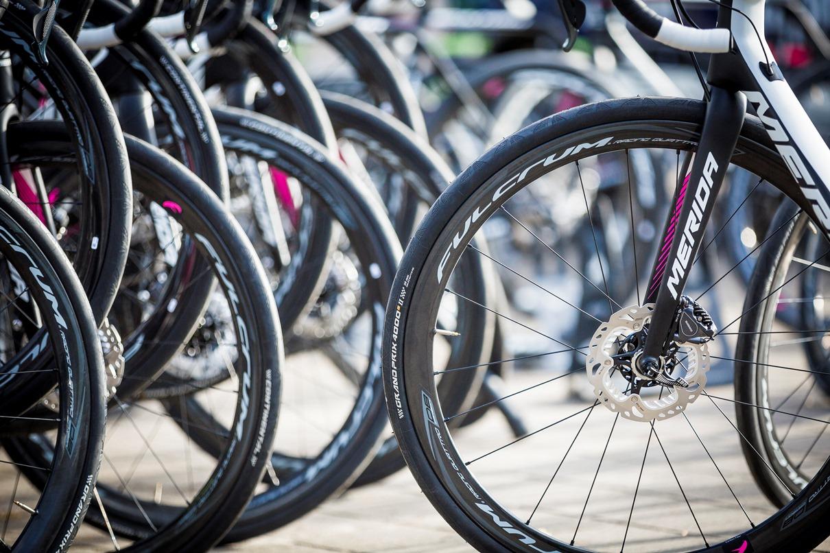 """""""Z tarczą czy na tarczy?"""" Szosowa konferencja na Kielce Bike-Expo"""