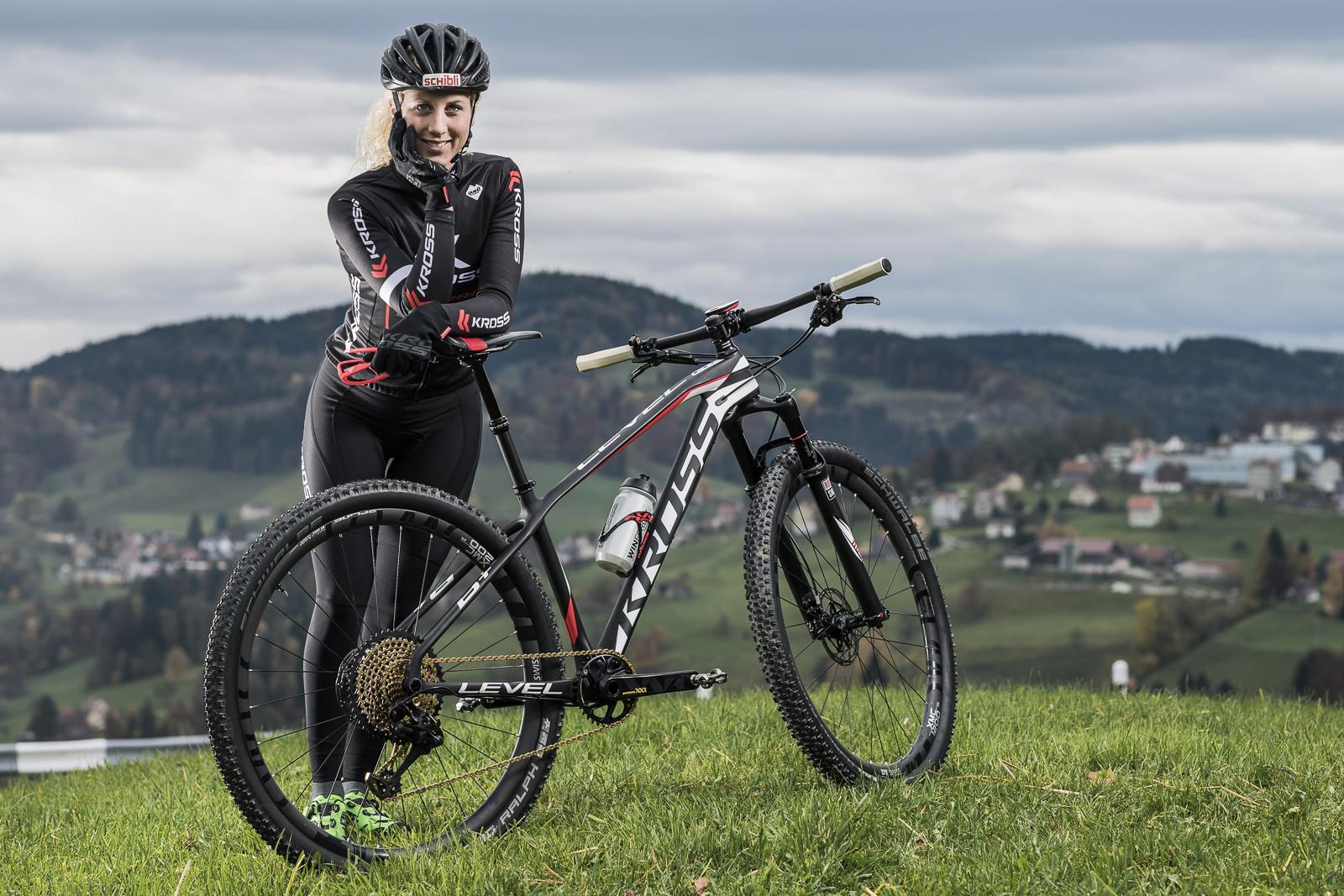 jolanda-neff-kross-racing-team-1