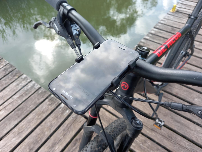Smartfon rowerowy. Test uchwytu na telefon SP Connect Bike Bundle II