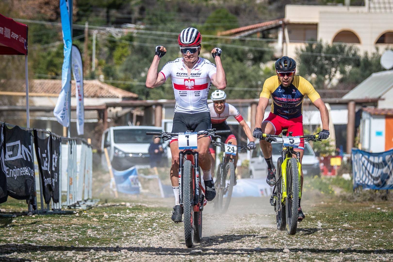 Wawak wygrywa ostatni etap Salamina Epic Cup Zawodnik Kross Racing Team 2. w klasyfikacji generalnej