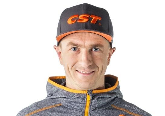 Dariusz Batek przedłuża kontrakt z CST