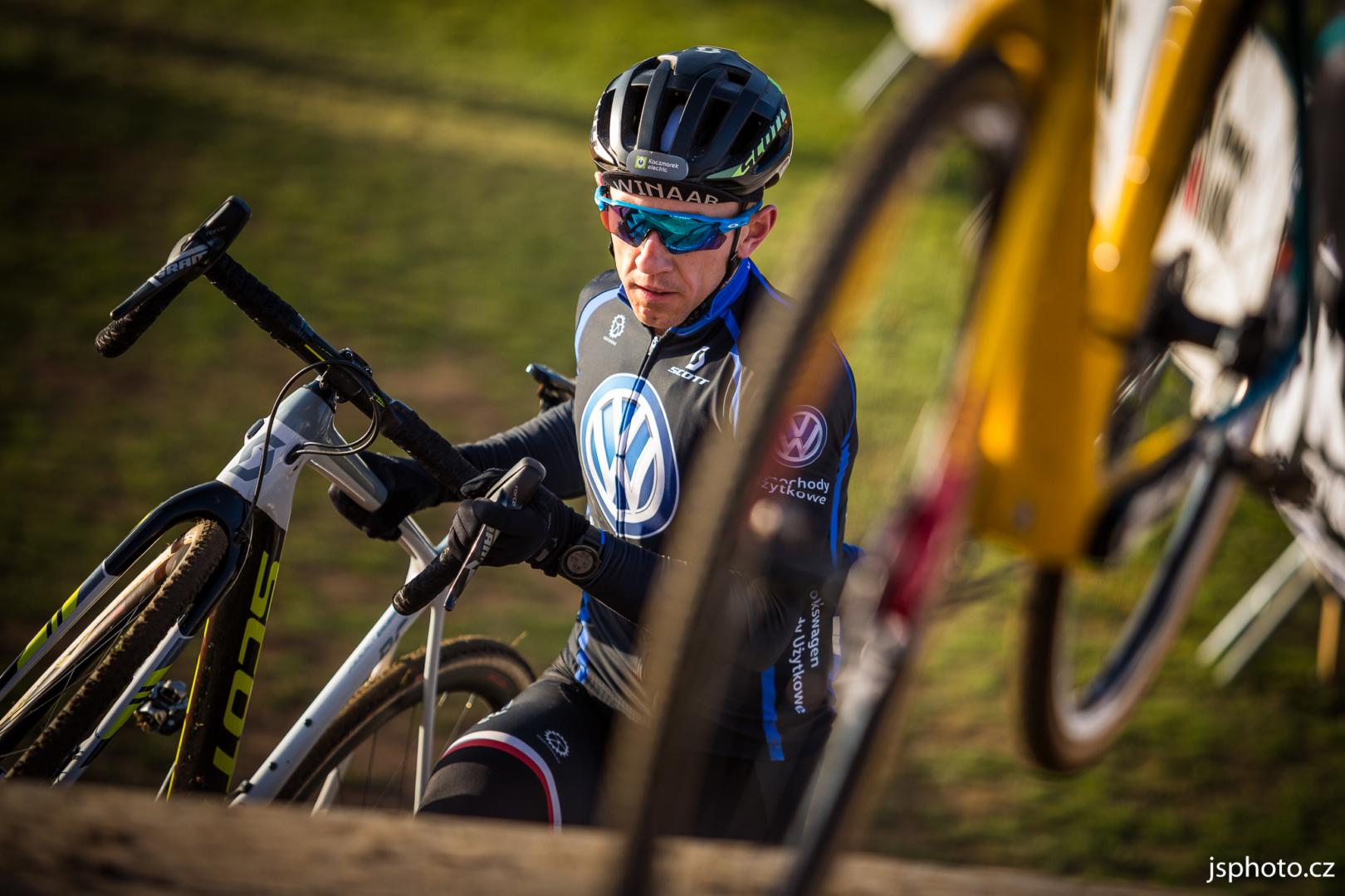 Puchar Świata CX / EKZ Cross Tour – Marek Konwa walczy o punkty UCI