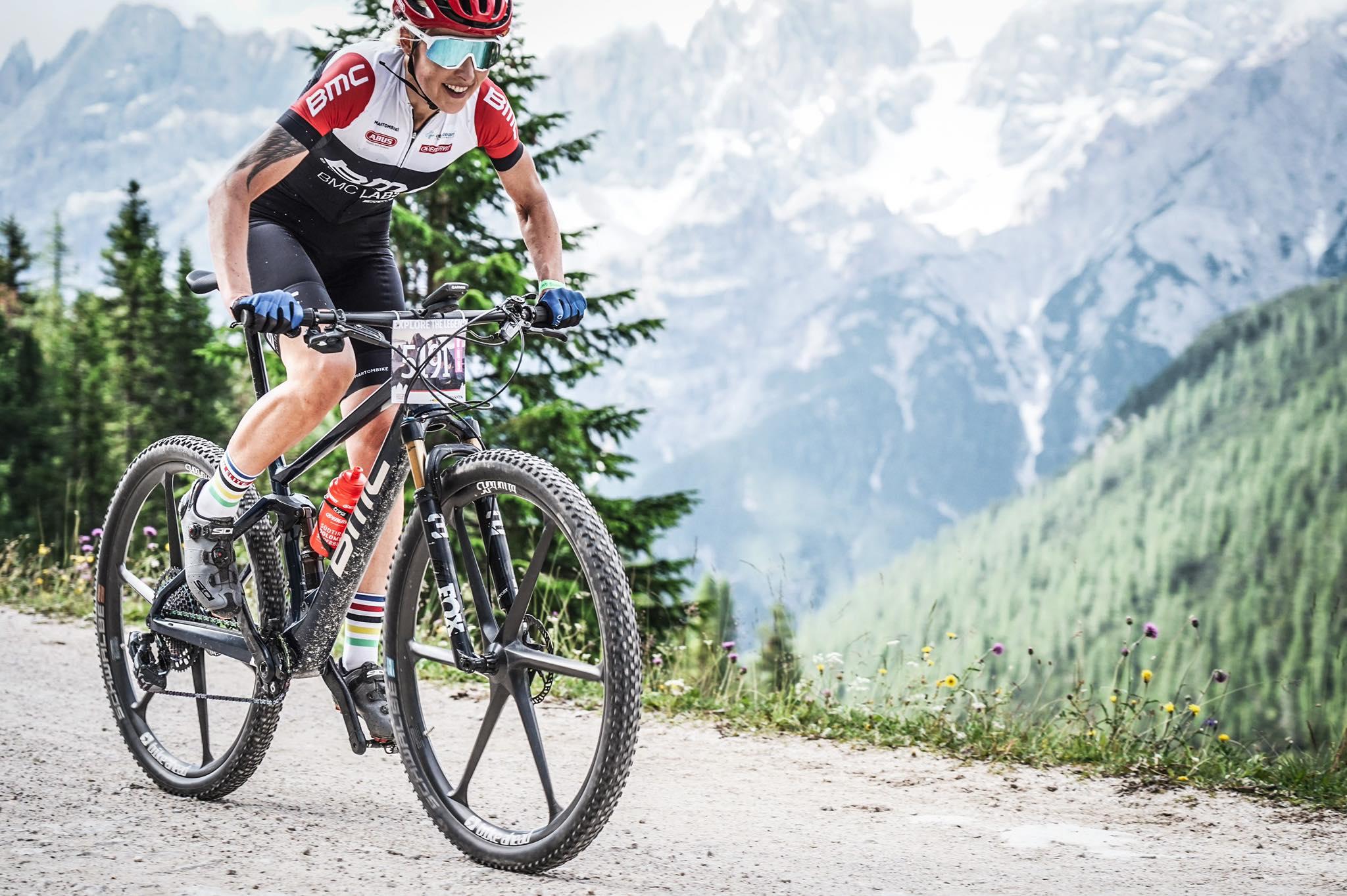 """Anna Urban (BMC Polska): """"letnie miesiące zawsze stoją u mnie pod znakiem Alp i Dolomitów"""""""