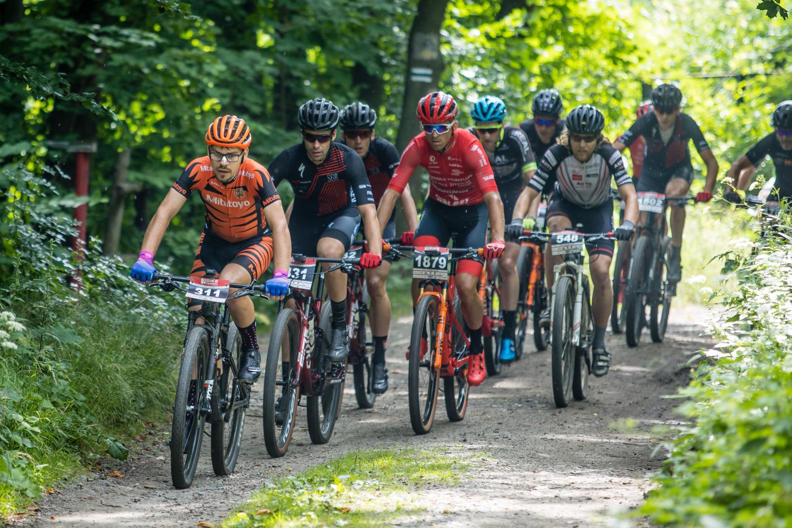 Bike Maraton w Górach Sowich: SGR Specialized dominuje w Bielawie