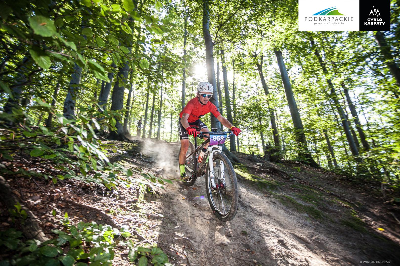 Jedenasta edycja Maratonów Rowerowych Cyklokarpaty w Mieście Szkła za nami