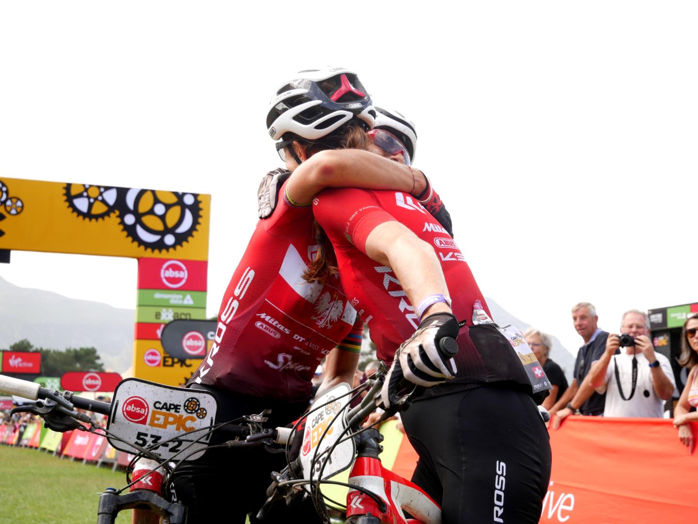 Świetny wynik duetu Włoszczowska – Lüthi na pierwszym etapie Absa Cape Epic