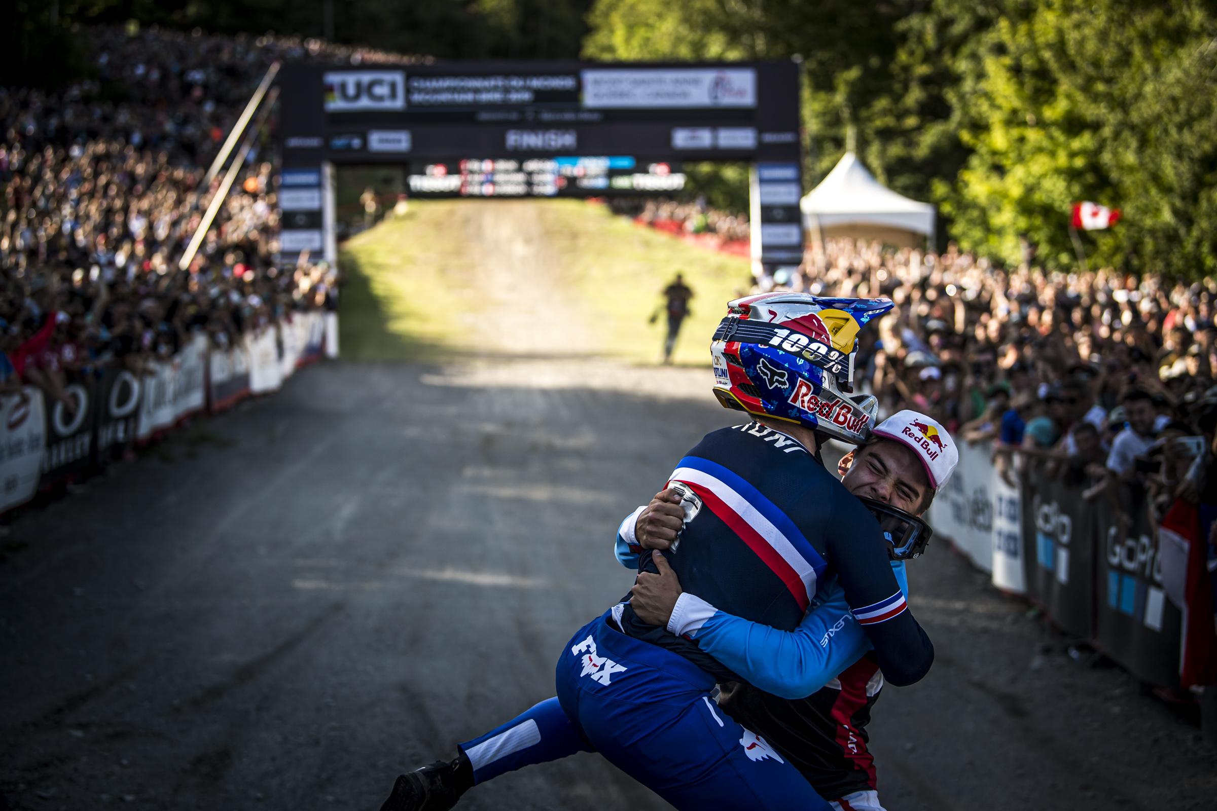Loic Bruni i Myriam Nicole z tytułami Mistrzów Świata w downhillu