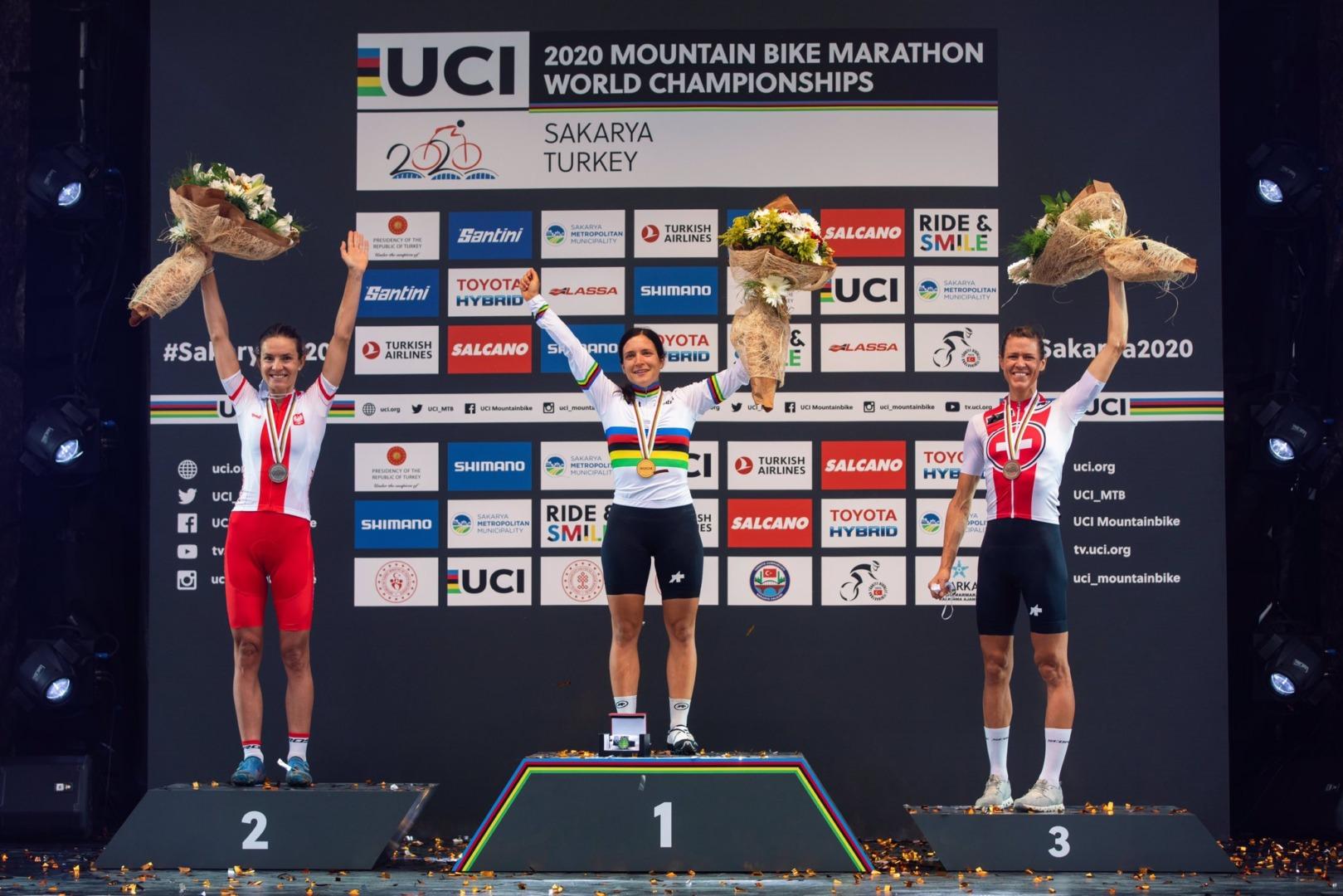 Maja Włoszczowska ze srebrnym medalem Mistrzostw Świata w maratonie MTB