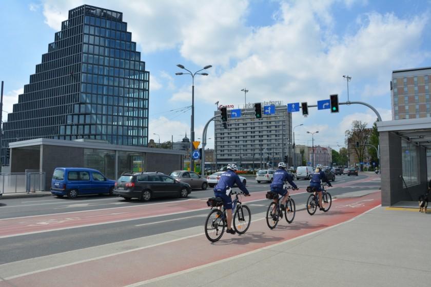 policja poznań na rowerach kross (4)